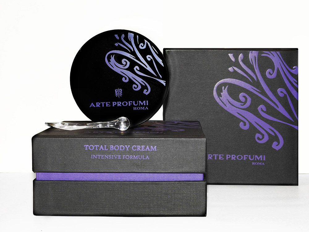 1-total-body-cream-crema-corpo-arte-profumi-dispar-news.jpg