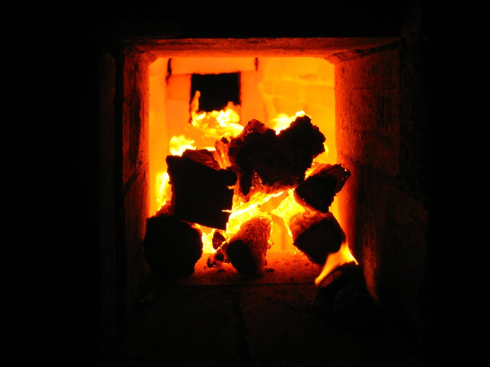 The temperature inside the kiln has to rise above 1000˚C.