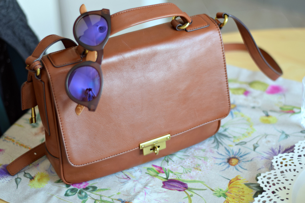 Weekend Notes | Fossil Bag + Vintage Sunglasses | www.theprettypeony.com