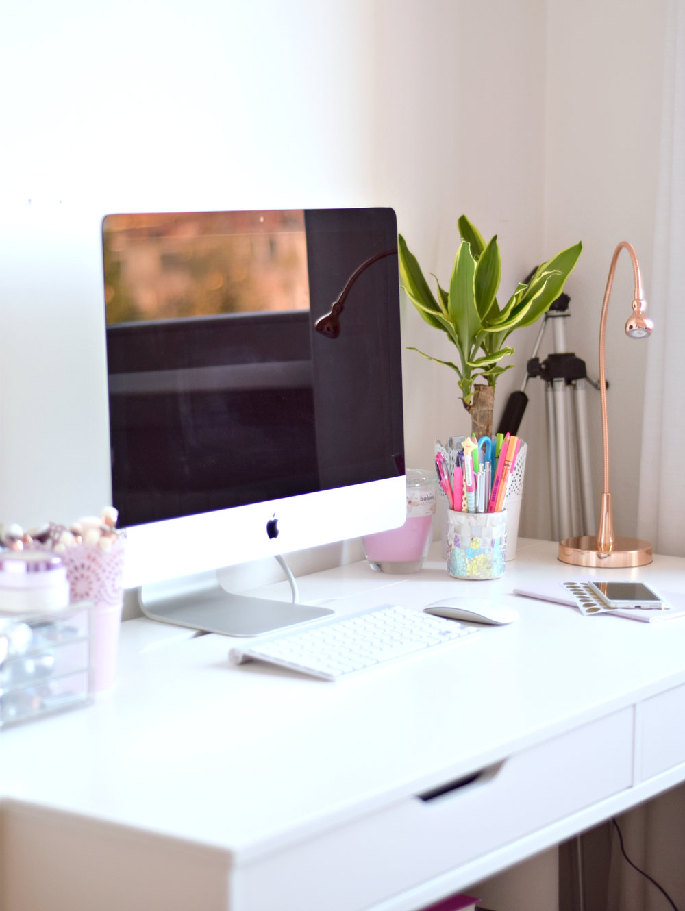how to get & stay productive | www.theprettypeony.com