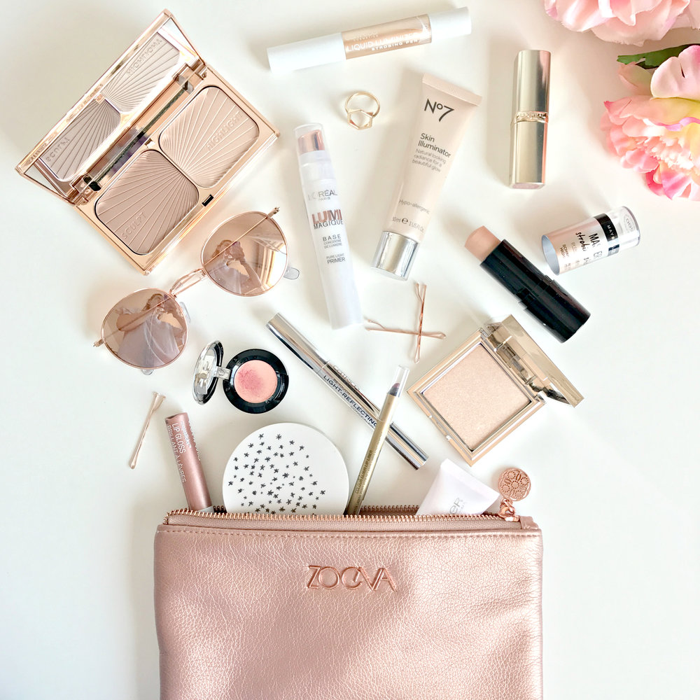 What's In My Makeup Bag | www.theprettypeony.com