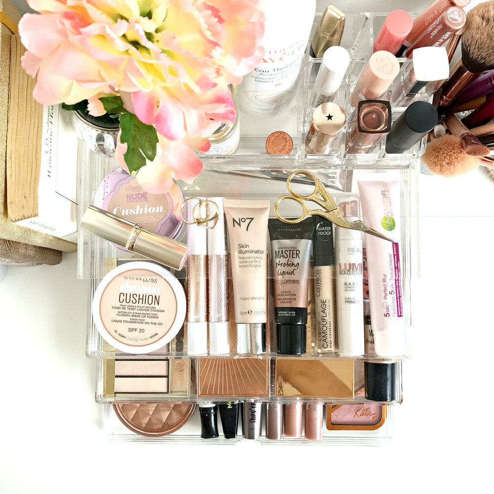 How to keep your makeup collection organized | www.theprettypeony.com