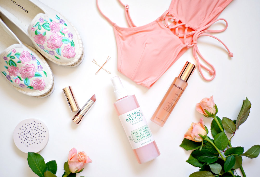 My Summer Holiday Essentials | www.theprettypeony.com