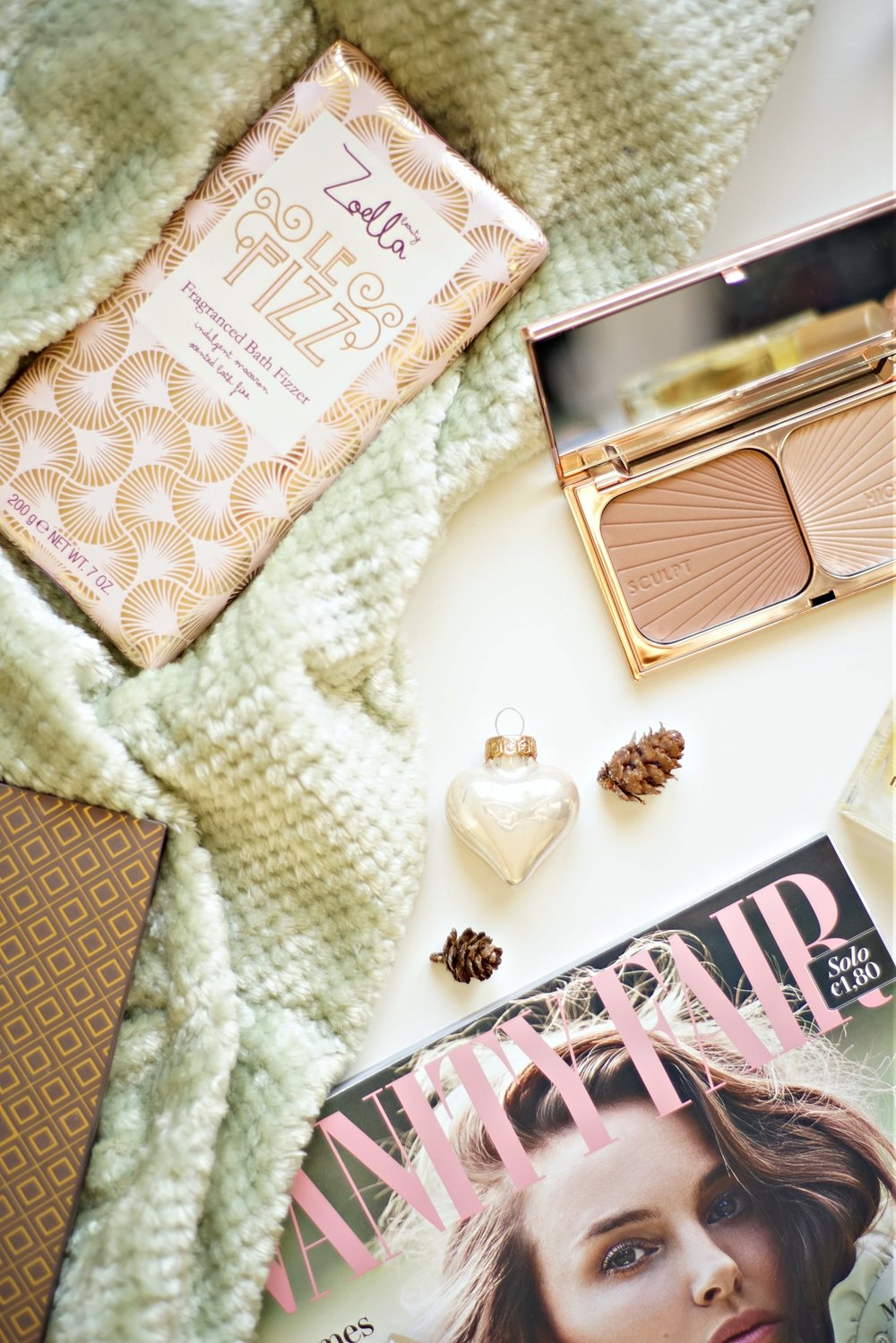Christmas Beauty Gift Guide Ideas | www.theprettypeony.com