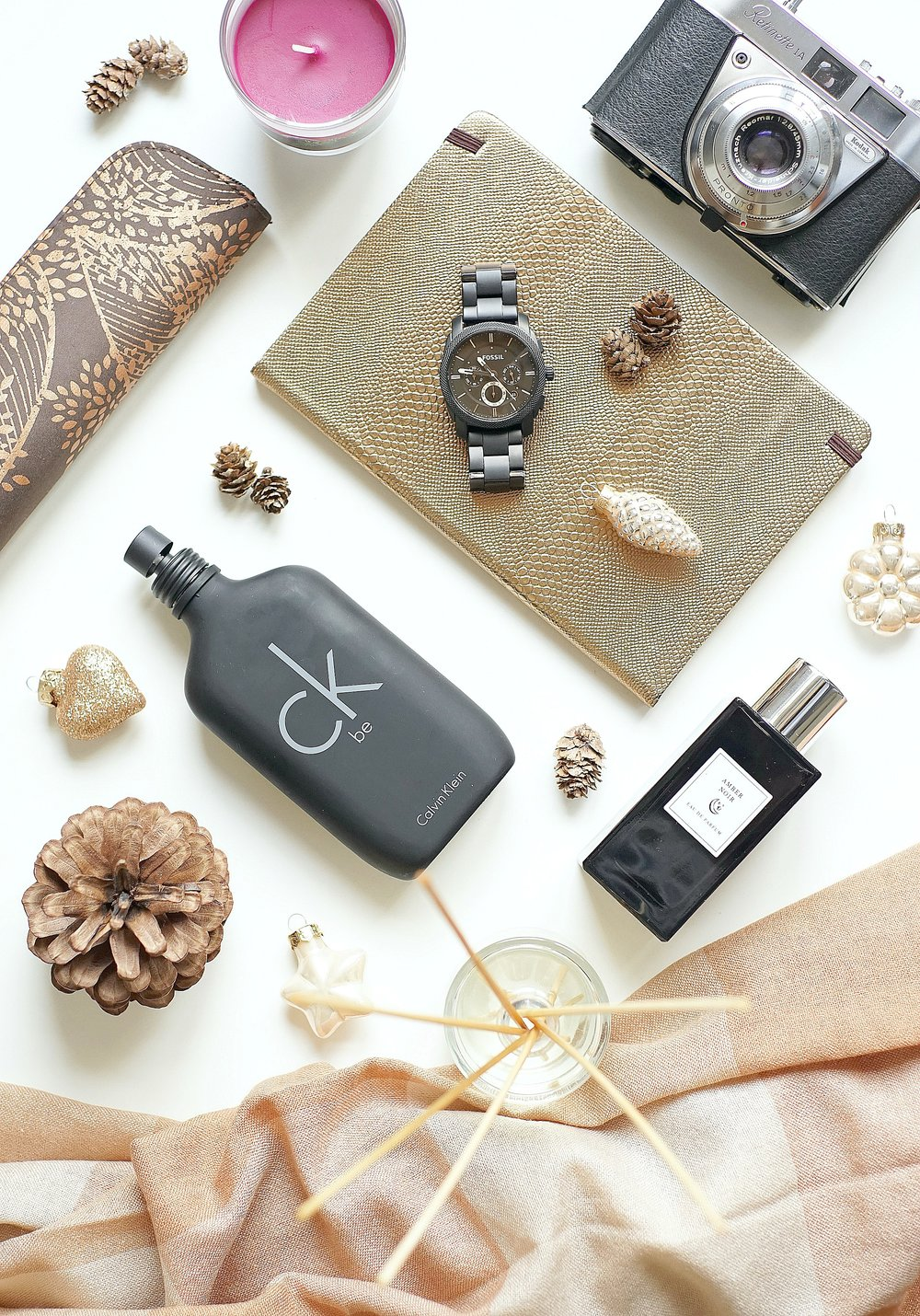 Christmas Gift Guide For Him | www.theprettypeony.com
