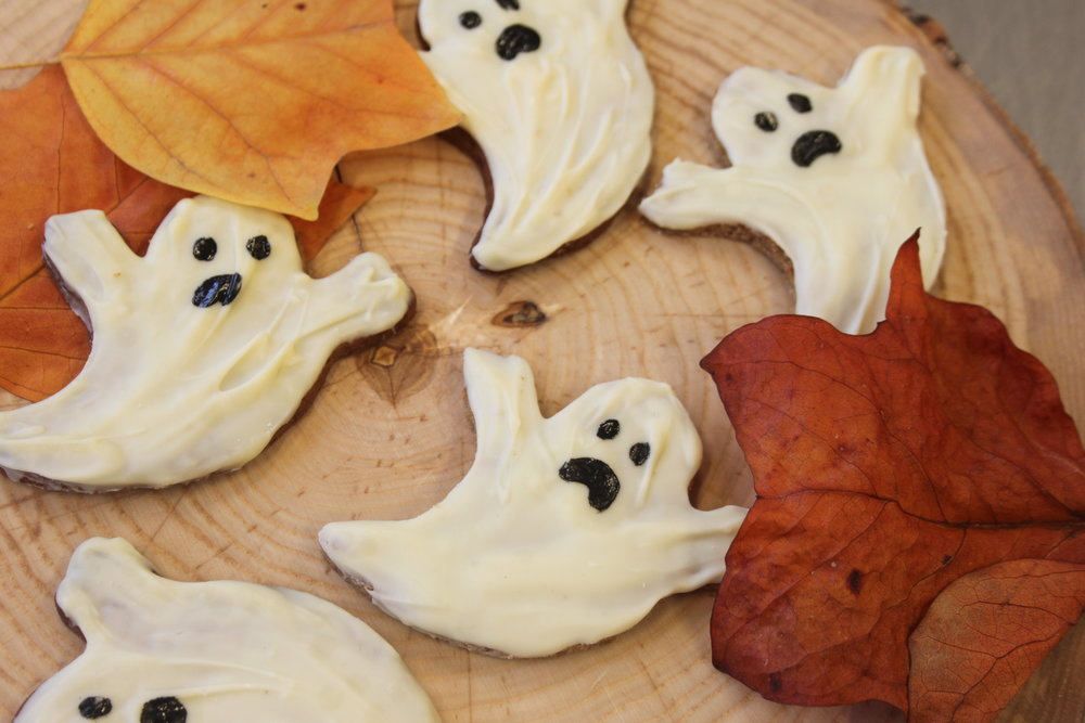 white chocolate and coconut shortbread ghosts