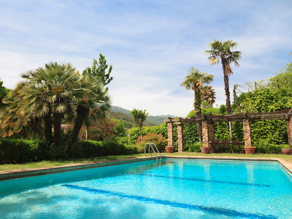 Piscina - Jardins el Roquer - Guía Singular.jpg
