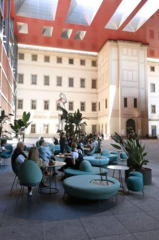 Patio del Museo Reina Sofía y zona exterior de NuBel