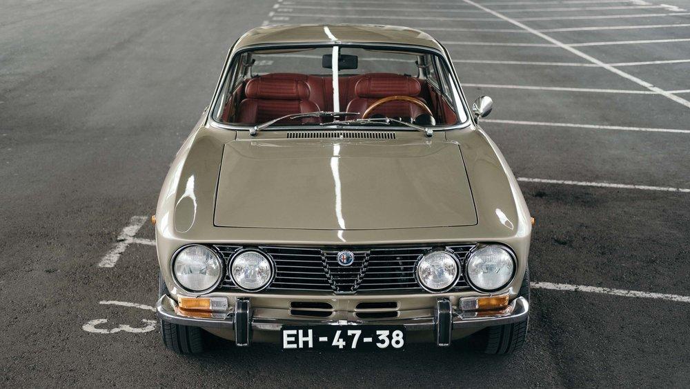 coolnvintage Alfa Romeo 2000 GTV (30 of 42).jpg