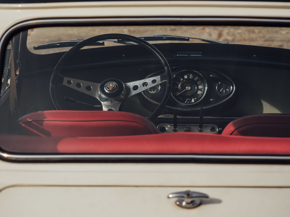 coolnvintage alfa romeo 1300 GT Junior (23 of 59).jpg