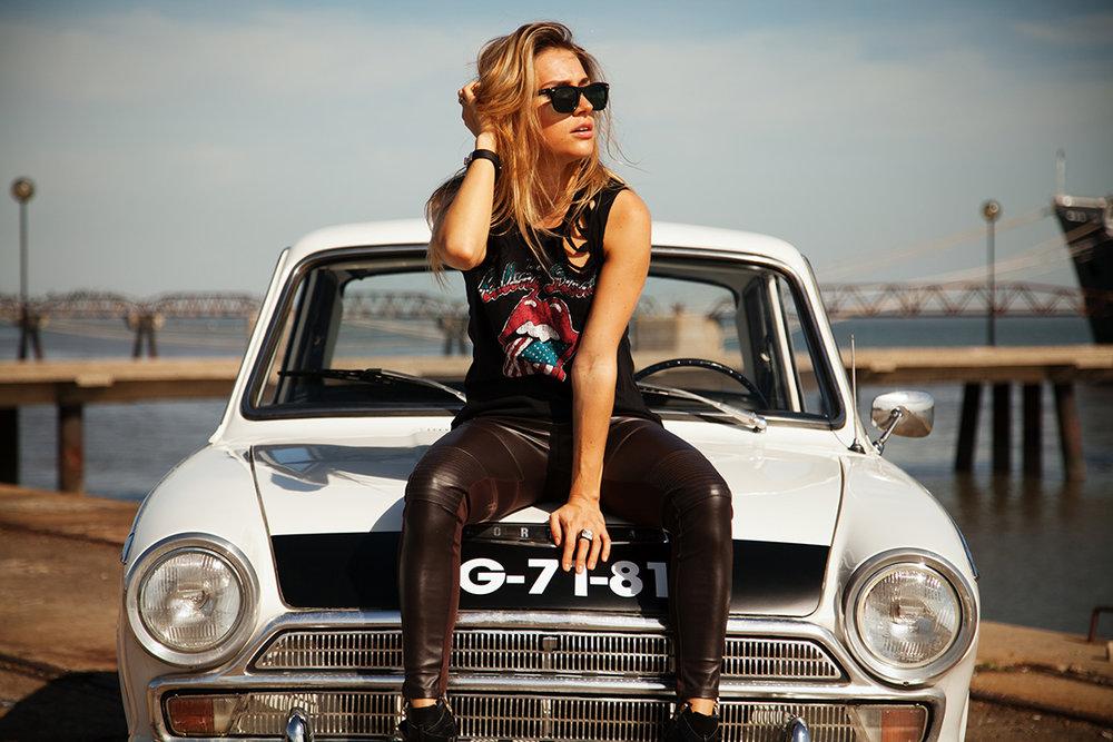 Mercedes_300TD (12 of 28).jpg