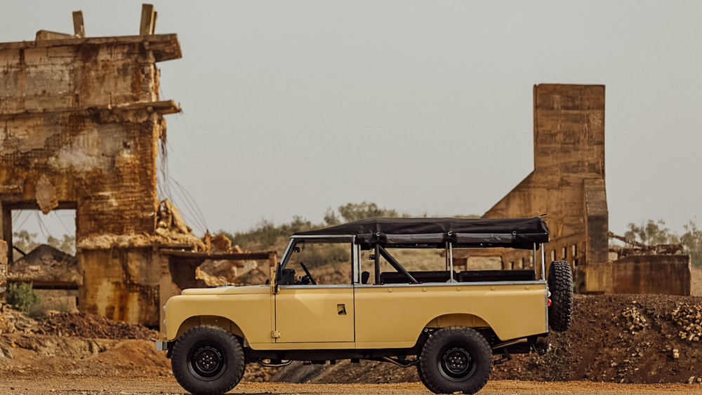 coolnvintage Land Rover S3 + Trailer 1.jpg