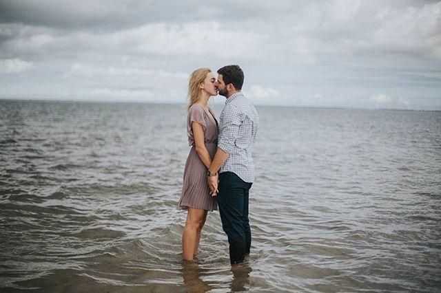 Takie stare zdjęcia znalazłam na swoich dyskach! I od razu zachciało mi się wyjazdu nad morze! Może ktoś chętny na sesję? ⭐️🌸 #radloverstories #heyheyhellomay #firsandlasts #belovedstories #thewandererscommunity #dirtybootsandmessyhair #weddinginspirations #wayupnorth #silesiaweddingday #togetherjournal #greenweddingshoes #junebugweddings  #autenticlovemag #lookslikefilm #destinationwedding  #slub #wychodzezamaz #fotografslubny #niezleaparaty #powiedzialamtak #slub2019 #slub2020 #fotografiaslubna #fotografwarszawa #pannamloda  #weddingphotographer #destinationphotographer