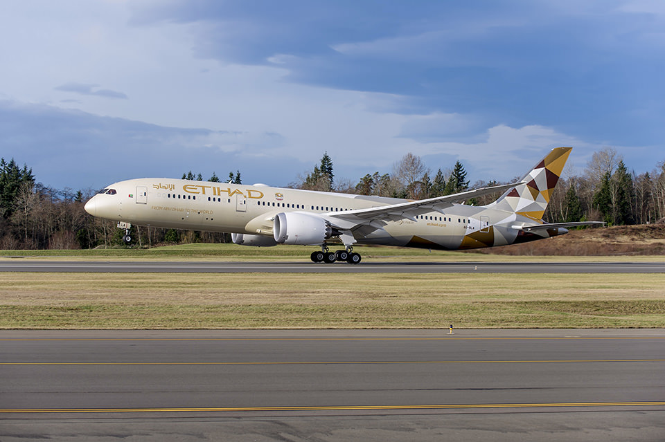Etihad's 787  inaugural flight home