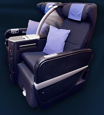 JAL Seats BC Skyluxe.jpg