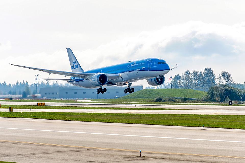 KLM Plane 787 1.jpg