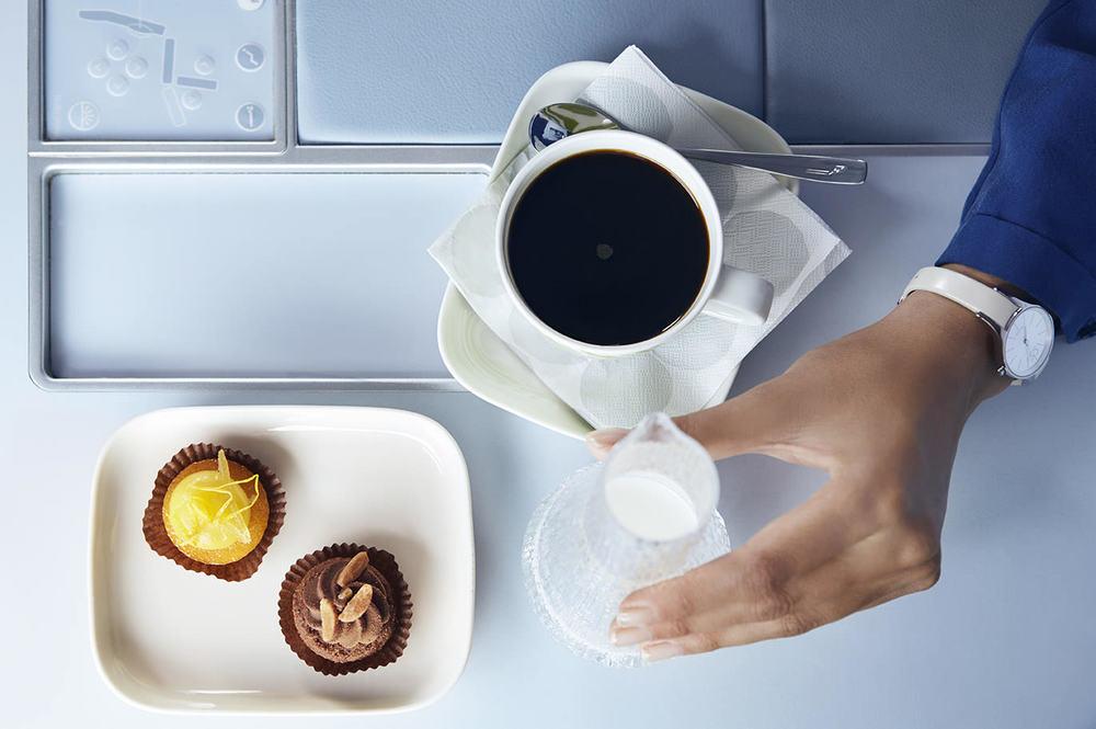 Finnair business dessert 01 Low.jpg