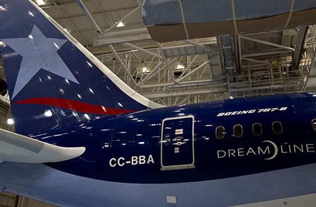 LATAM Plane 787 Tail.jpg