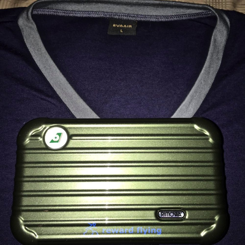 BR CDG-TPE Amenity Kit and PJS.jpg