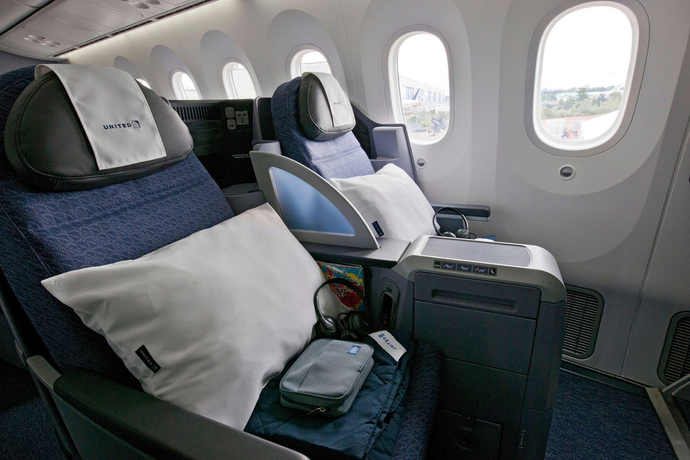 United-787-Dreamliner-Interior_4.jpg