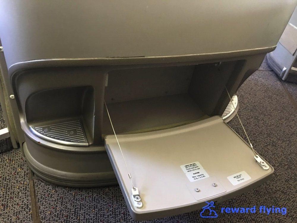 OZ104 Seat 3.jpg