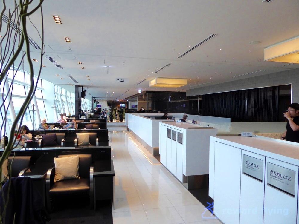 AC6 Lounge 1.jpg