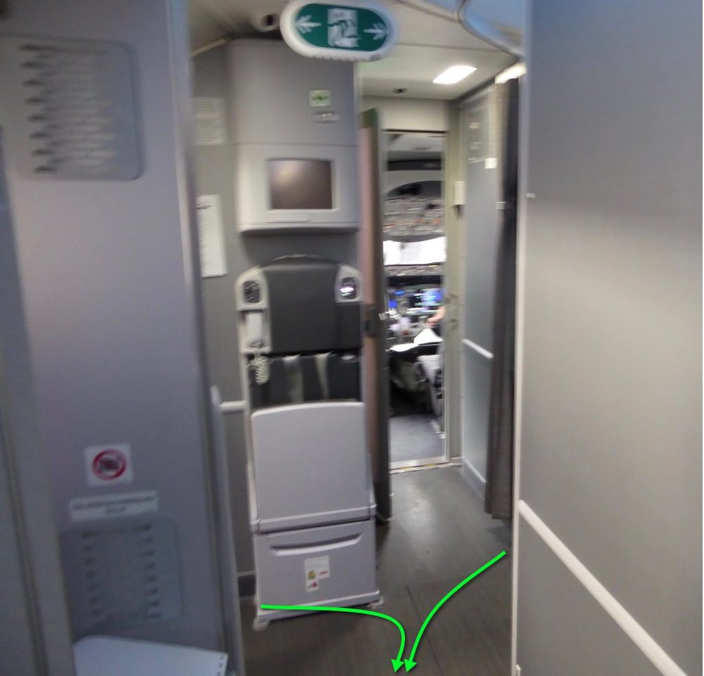 AC6 cabin aisle.jpg
