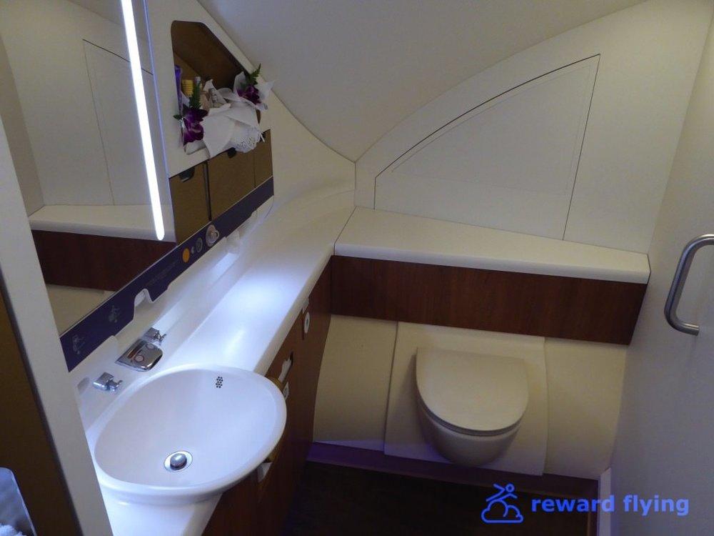 TG677 Cabin Lav 4.jpg