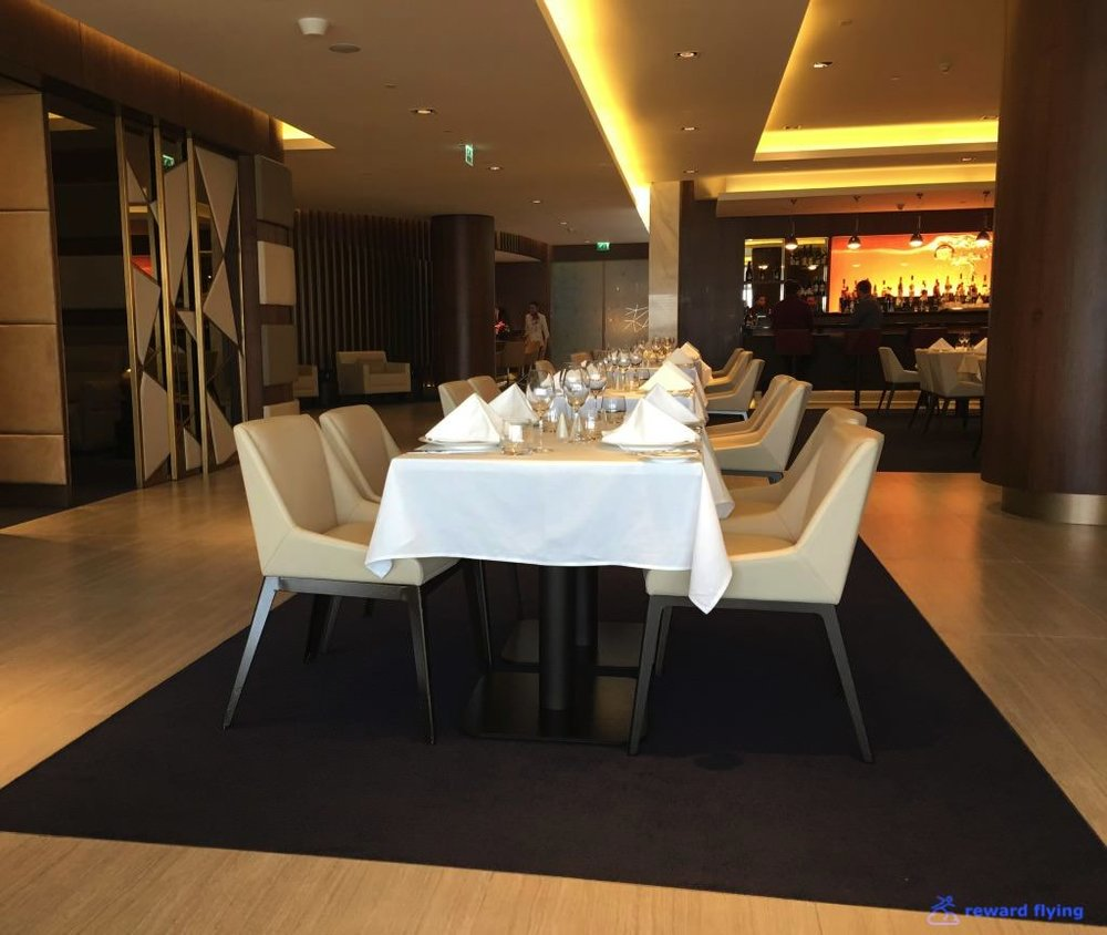 EY Lounge Area Dining 1.jpg