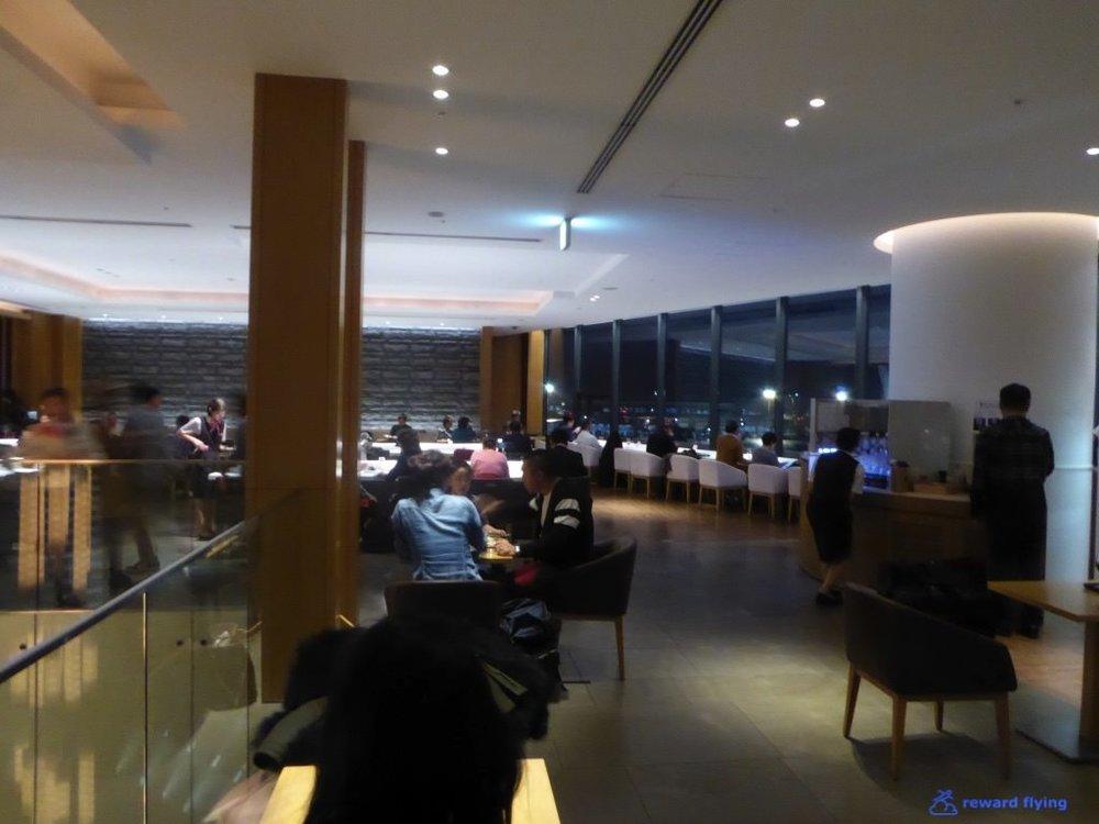 JL735 Lounge 5.jpg