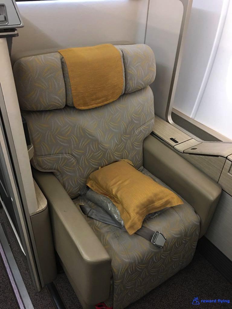 OZ542 Seat 1.jpg