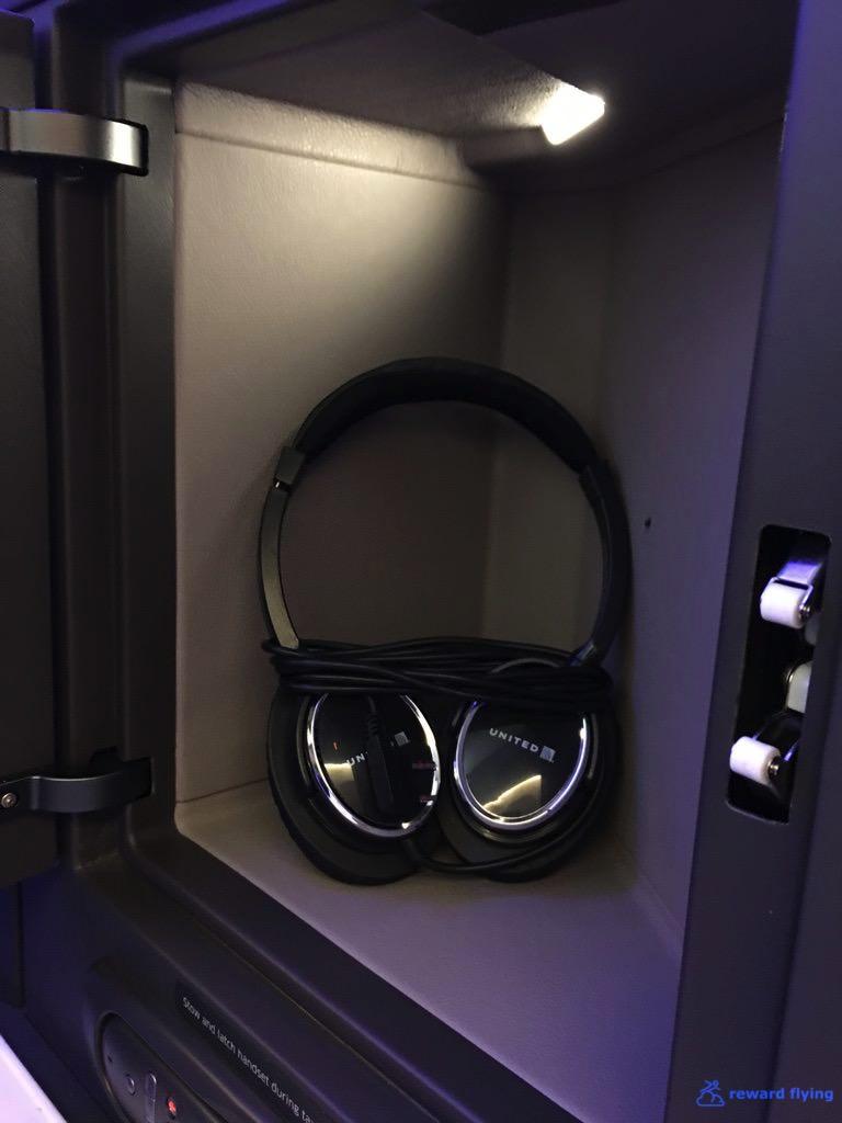 UA838 Seat Storage 3.jpg