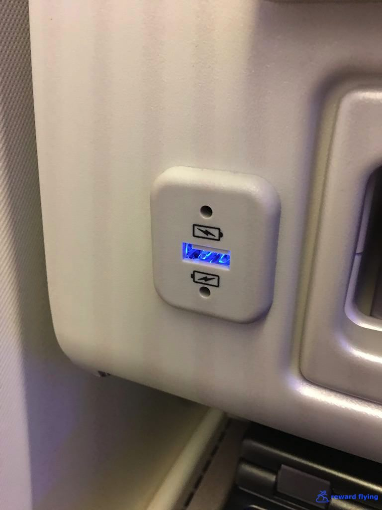 UA838 Seat Asc 1 Plug 1.jpg