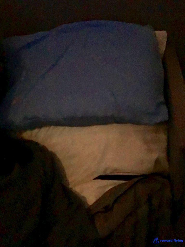 UA838 Am Gel Pillow.jpg
