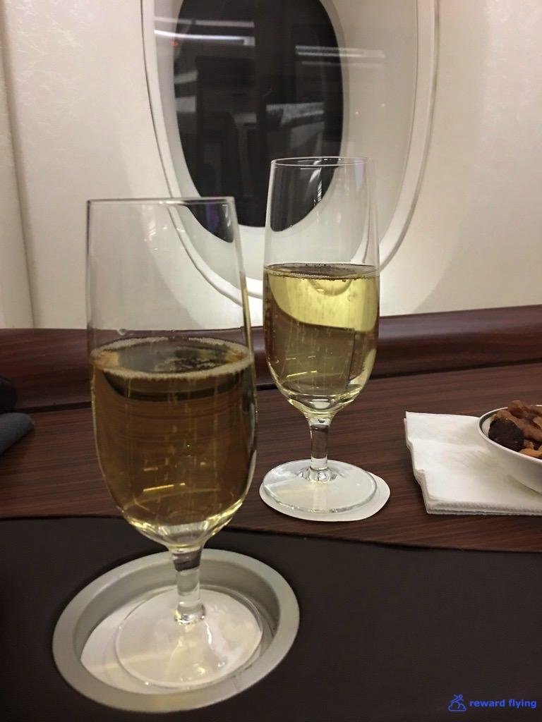 SQ25-1 Bev Champagne 2.jpg