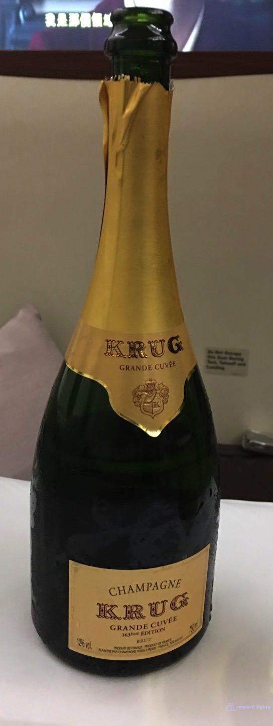 SQ25-1 Bev Champagne 3.jpg