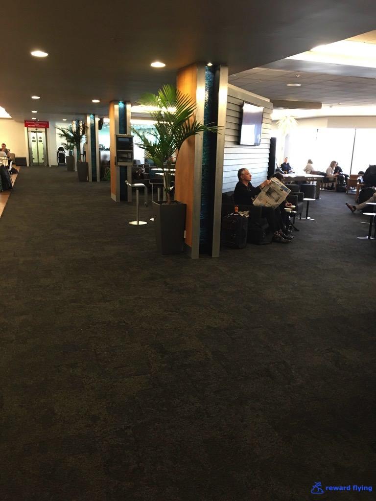 NZ421 Lounge 1.jpg