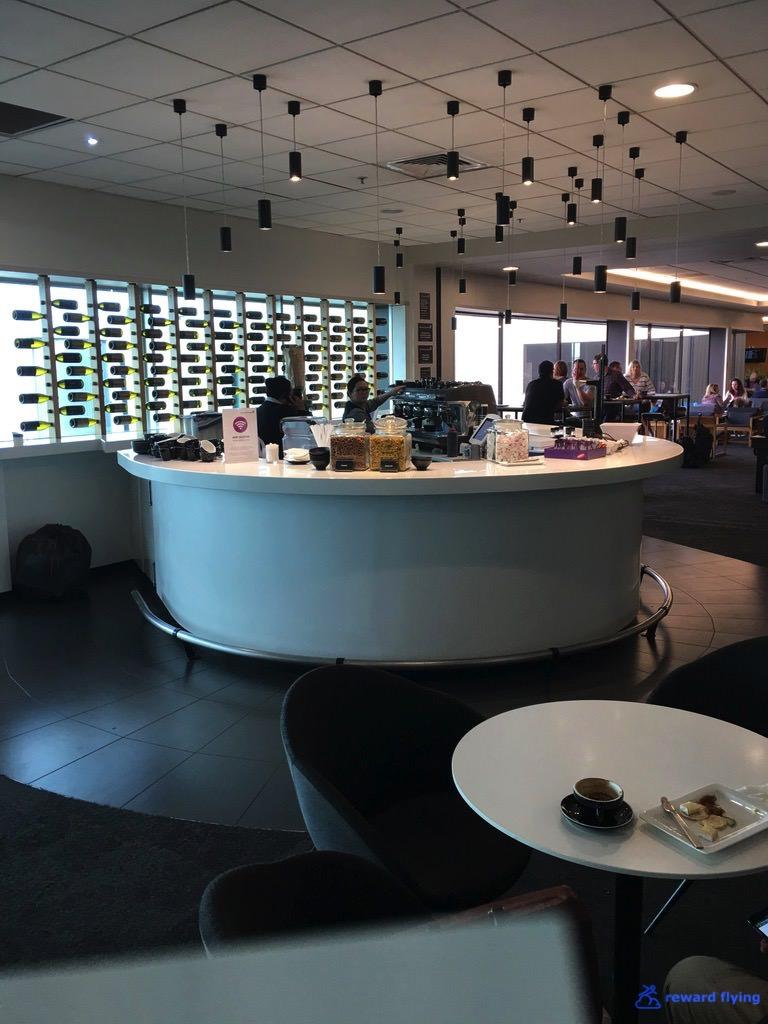 NZ421 Lounge 5.jpg