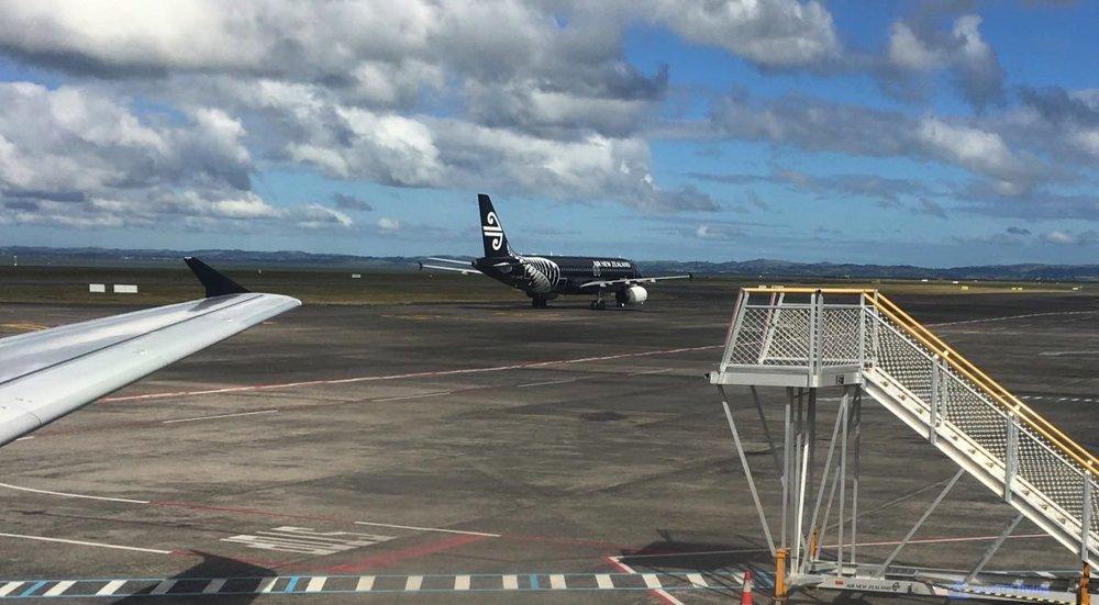 NZ421 Scenic AKL 1.jpg