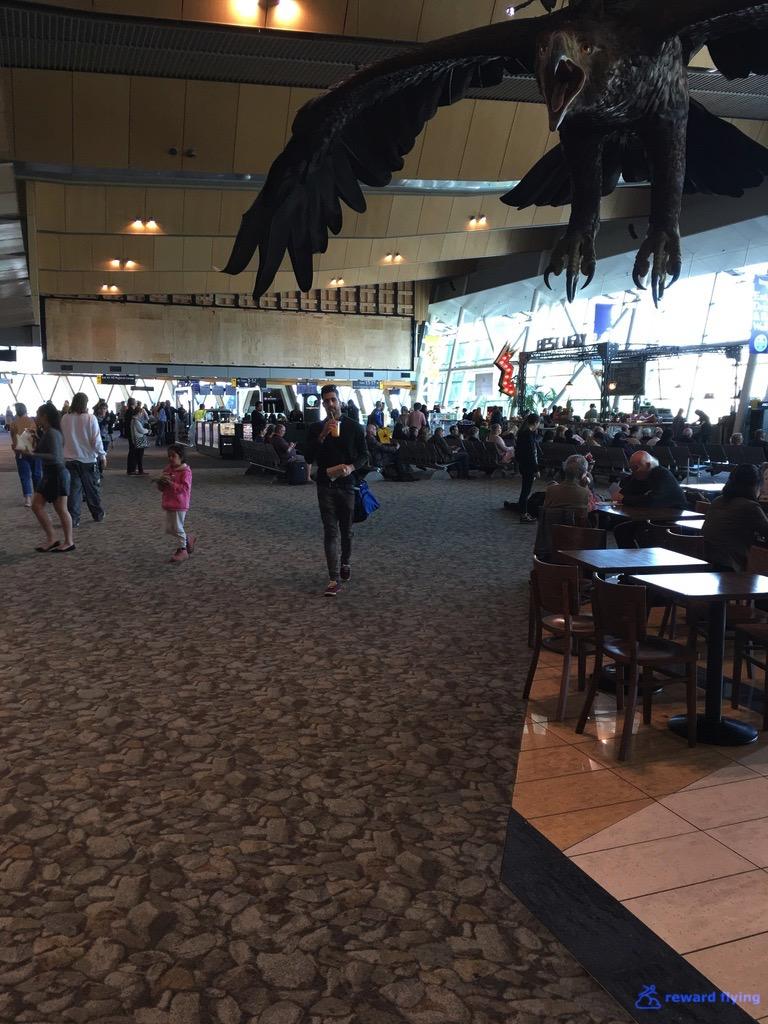 JQ258 Airport 4.jpg