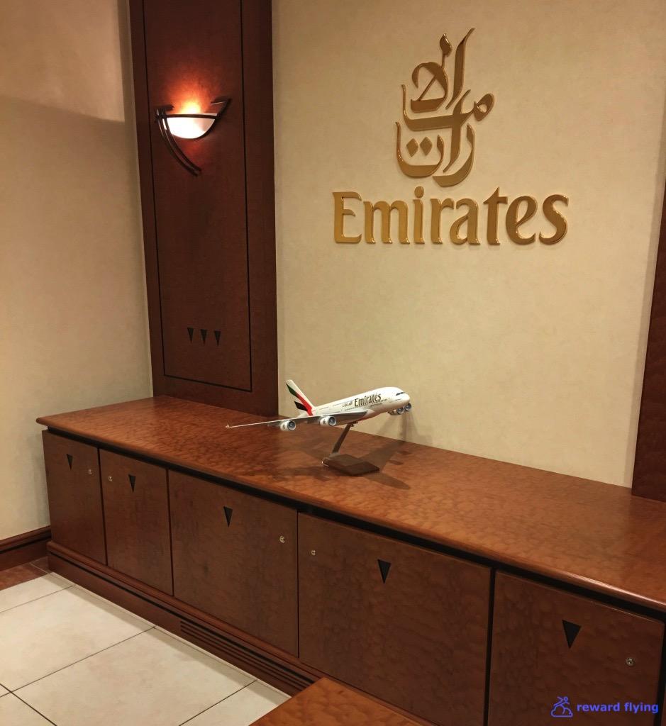 EK435 Lounge Entry 2.jpg