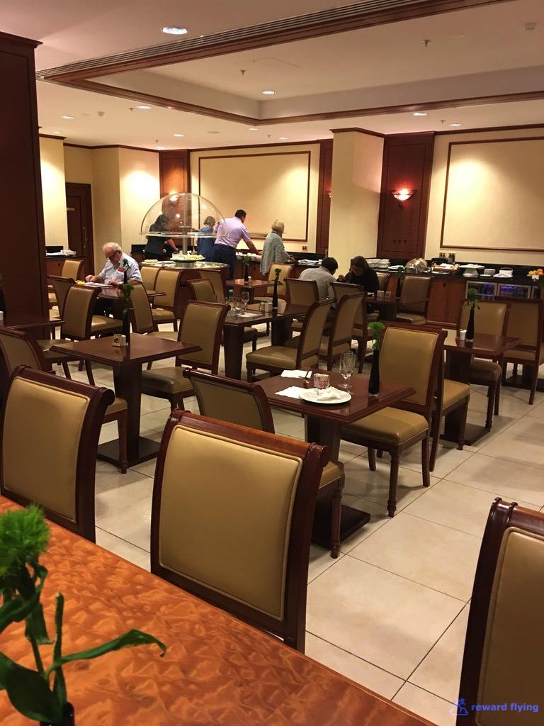 EK435 Lounge Seating 3 Dining.jpg
