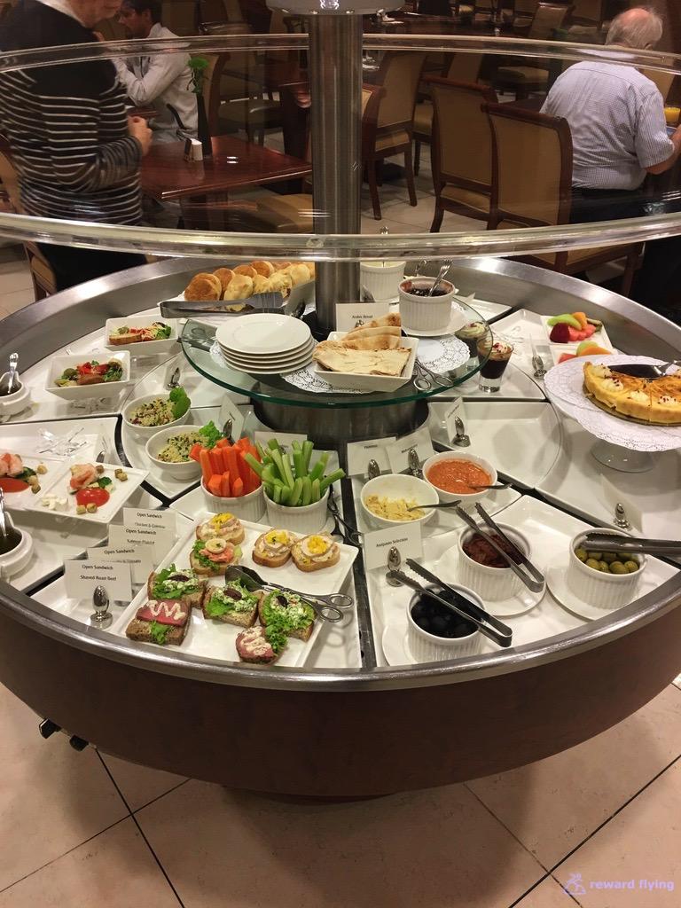 EK435 Lounge Food 1.jpg