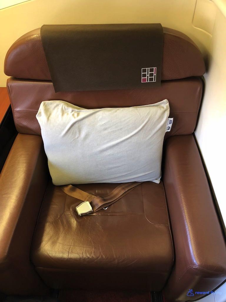 JL9 Seat 6.jpg