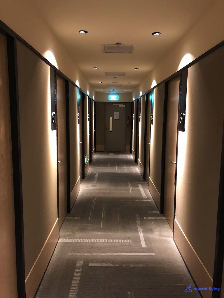 SIN Aerotel Hallway 3.jpg