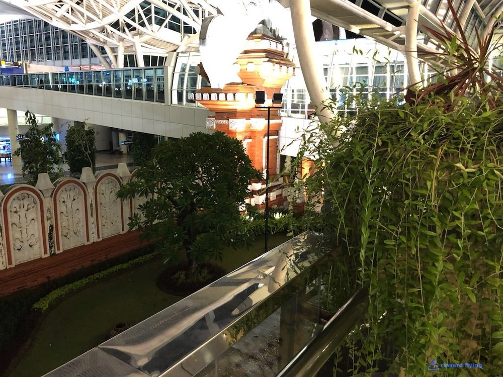 GA870 Airport Ent 1.jpg