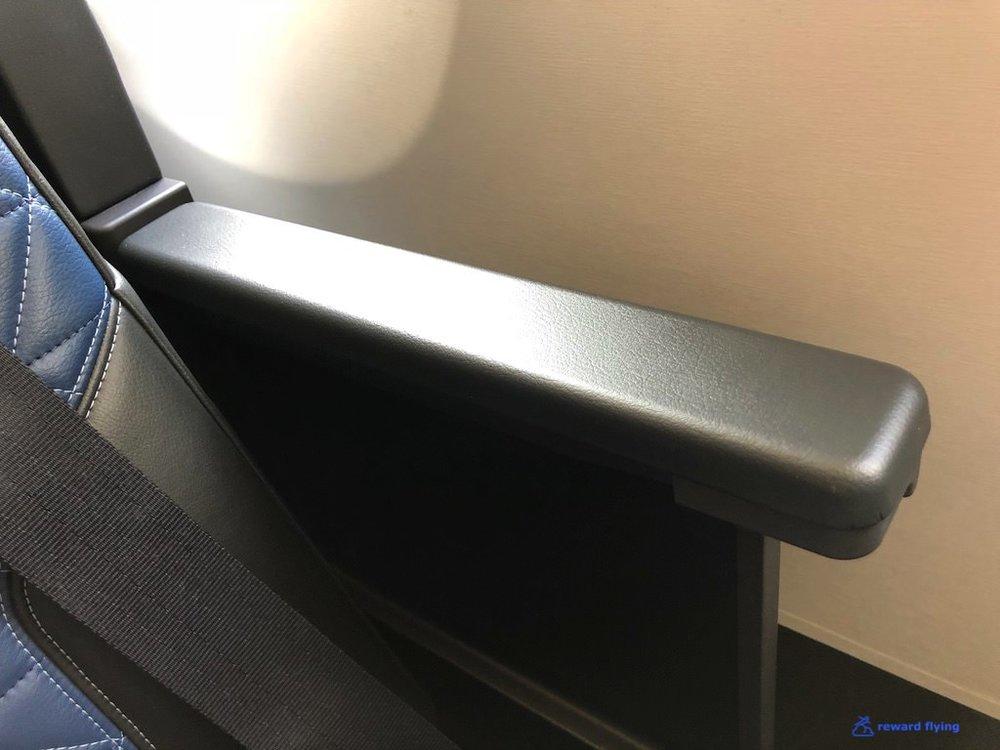 DL158 Seat Armrest 1.jpg