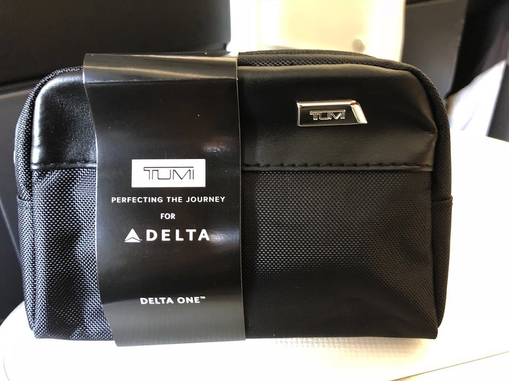 DL158 Amenity Kit.jpg
