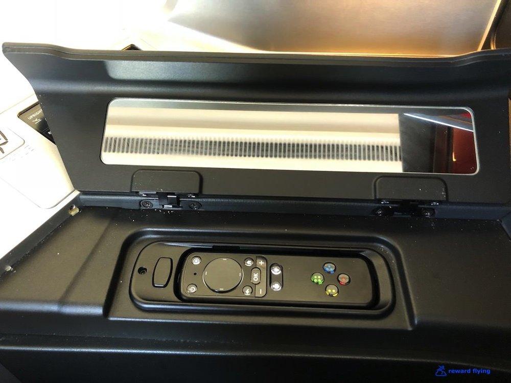DL158 Seat IFE Control.jpg