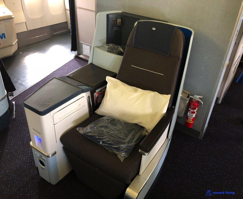 KL612 Cabin 4.jpg